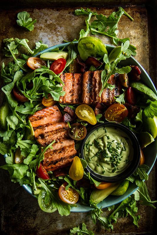salmon-salad-avocado-rezept-salat-annalaurakummer