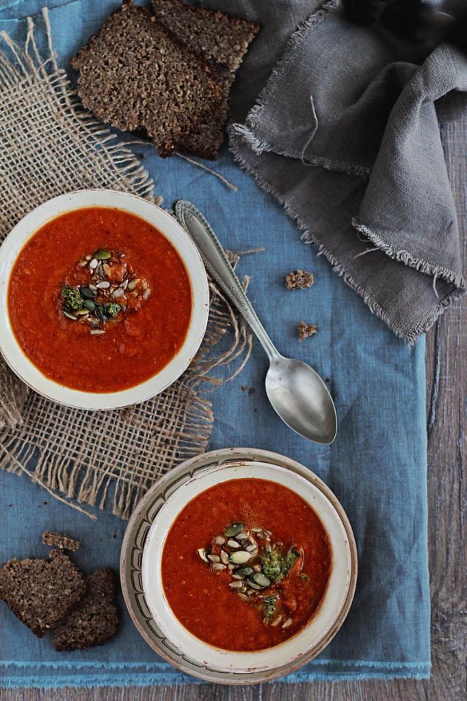 Roasted-Tomato-Bell-Pepper-Soup2-annalaurakummer