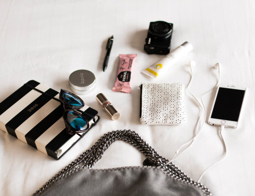 what, is, whats, in, my, bag, stella mccartney, falabella, österreichische bloggerin, blogger, annalaurakummer