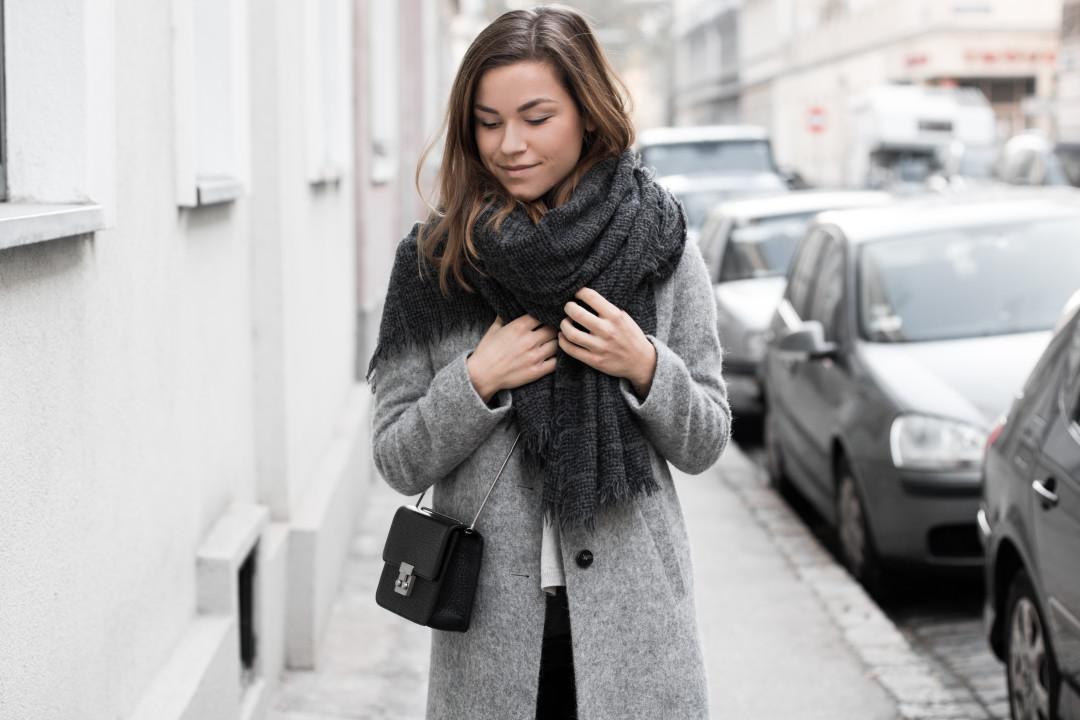 annalaurakummer-outfit-blaumax-mantel-winter-1