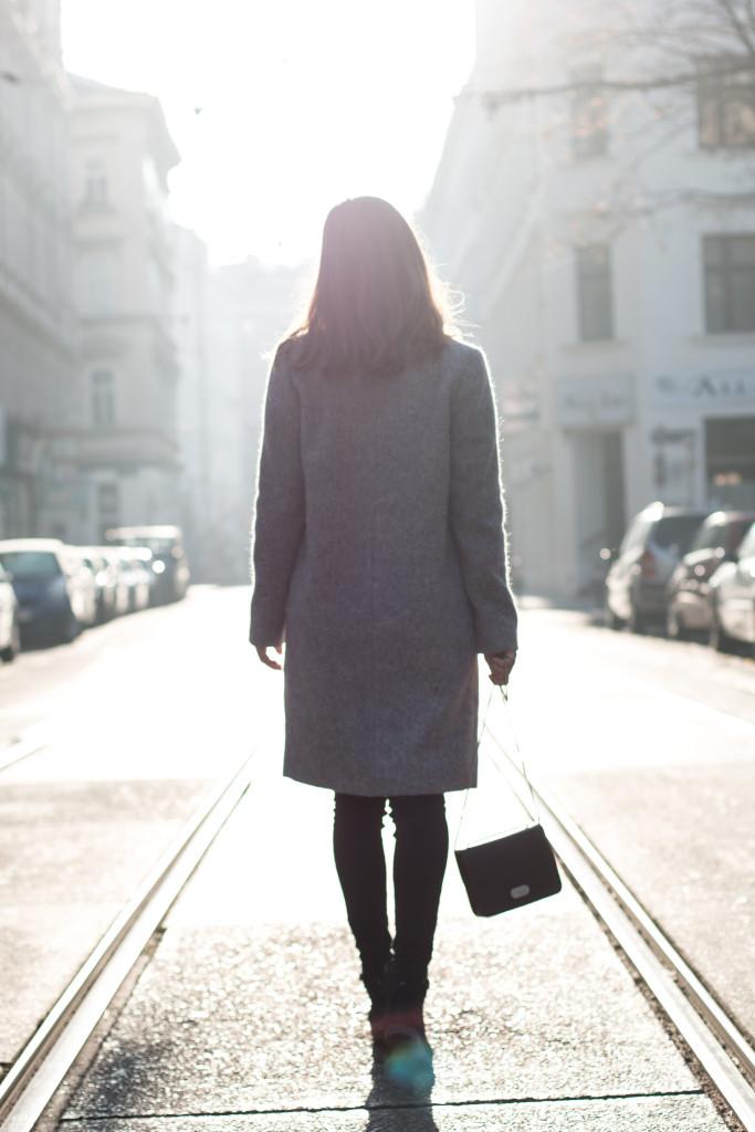 annalaurakummer-outfit-blaumax-mantel-winter-18