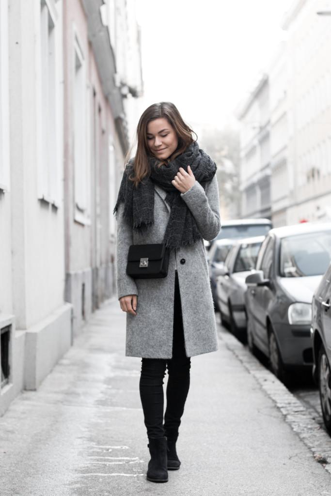 annalaurakummer-outfit-blaumax-mantel-winter-3