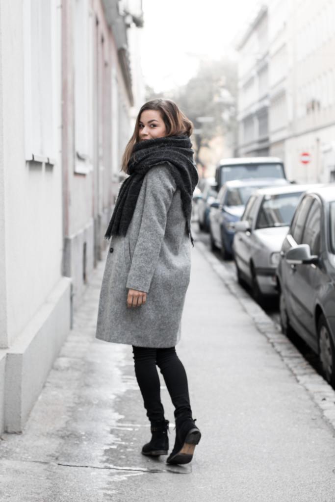 annalaurakummer-outfit-blaumax-mantel-winter-4