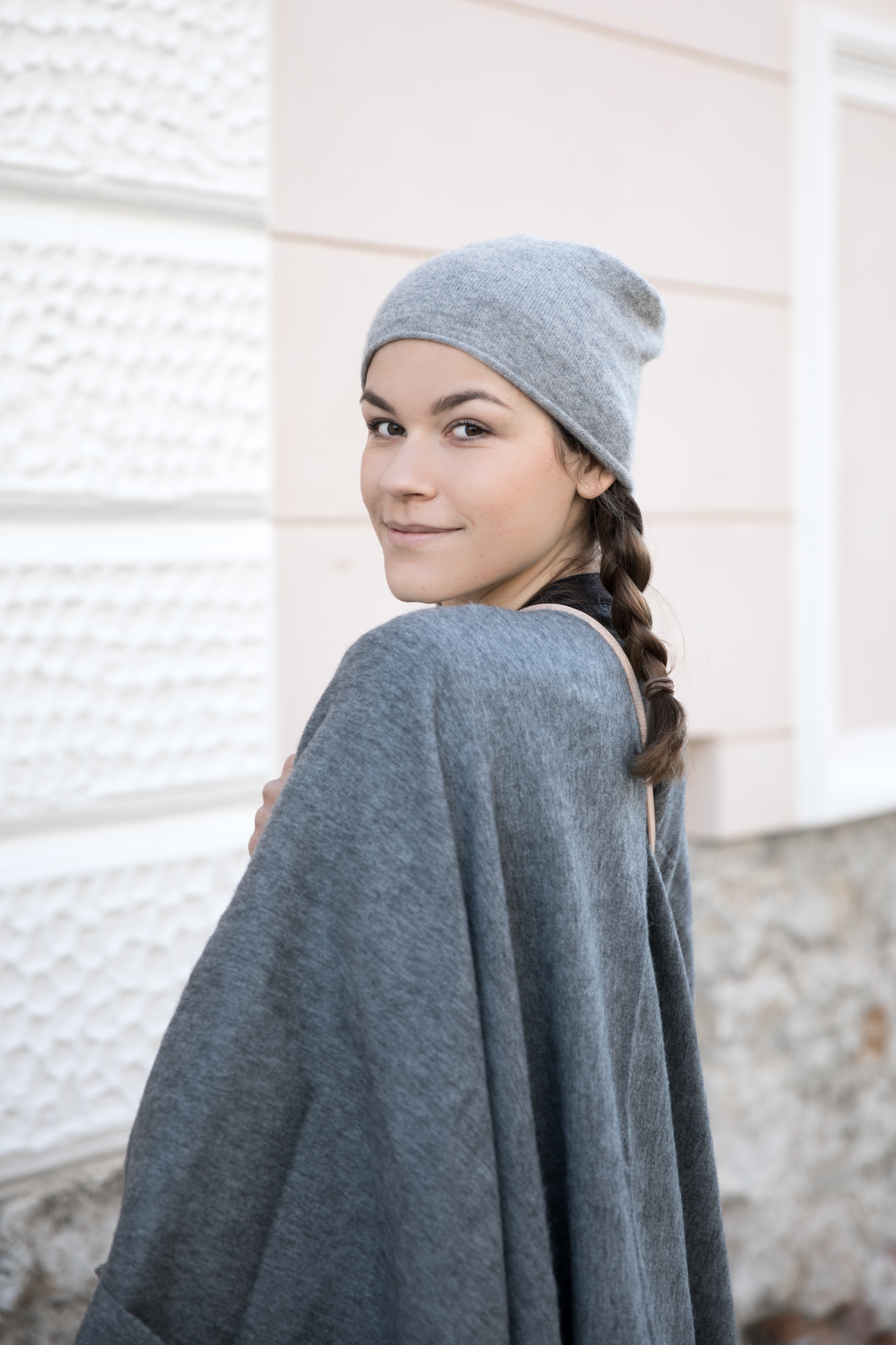 annalaurakummer-outfit-poncho-1