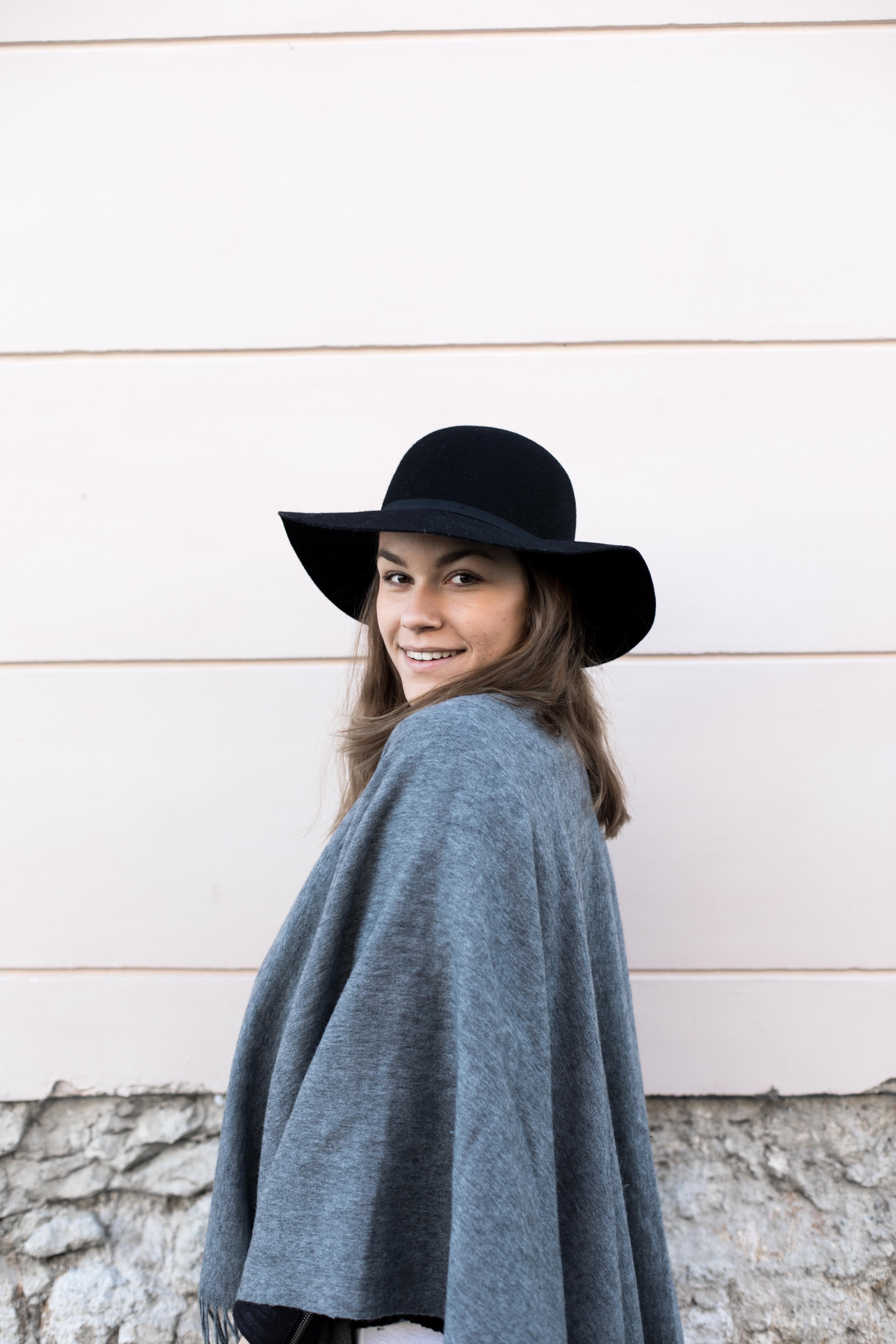 annalaurakummer-outfit-poncho-8
