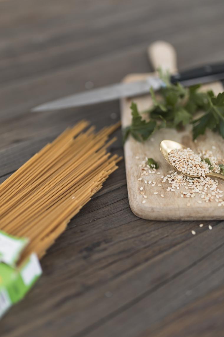 annalaurakummer-veganer-asiatischer-salat-tofu-rezept-12