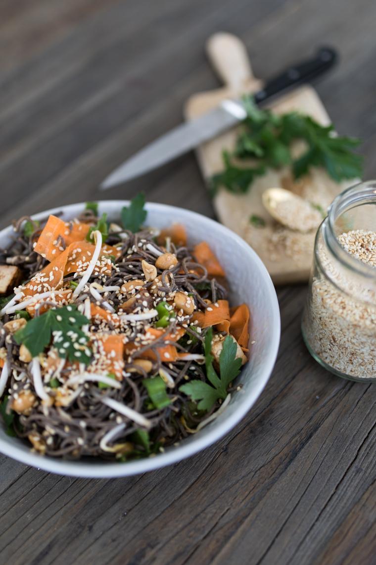 annalaurakummer-veganer-asiatischer-salat-tofu-rezept-3