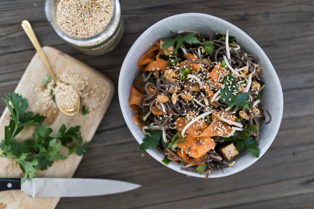 annalaurakummer-veganer-asiatischer-salat-tofu-rezept-5