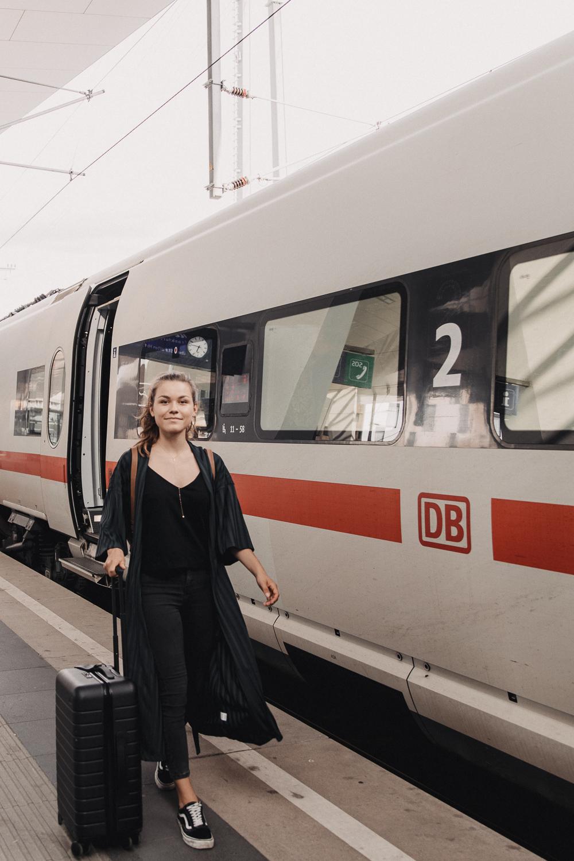 annalaurakummer, wien, berlin, zug, zugfahrt, deutsche bahn, hauptbahnhof
